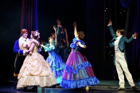 &quot;beauty and the beast&quot;<br />stage performance at Golden Mickey Disneyland HK